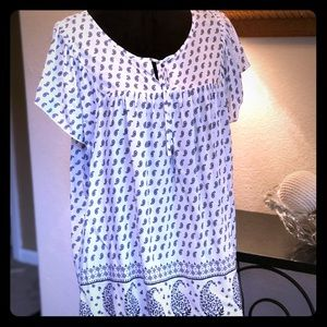 Light, soft and fashionable top!